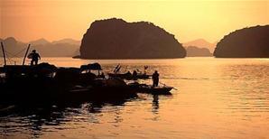 Vẻ đẹp cảnh quan vịnh Hạ Long