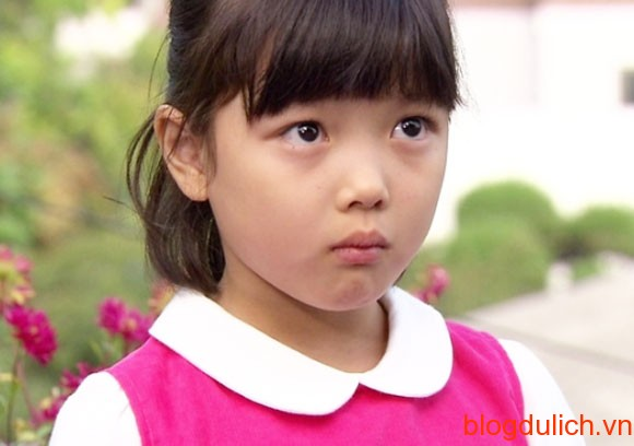 kieu nu sinh nam 1999