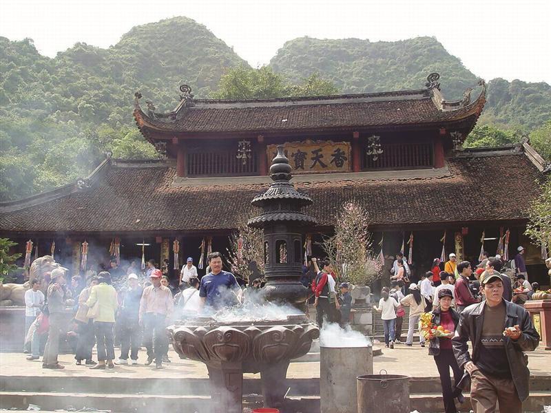 chua huong 2