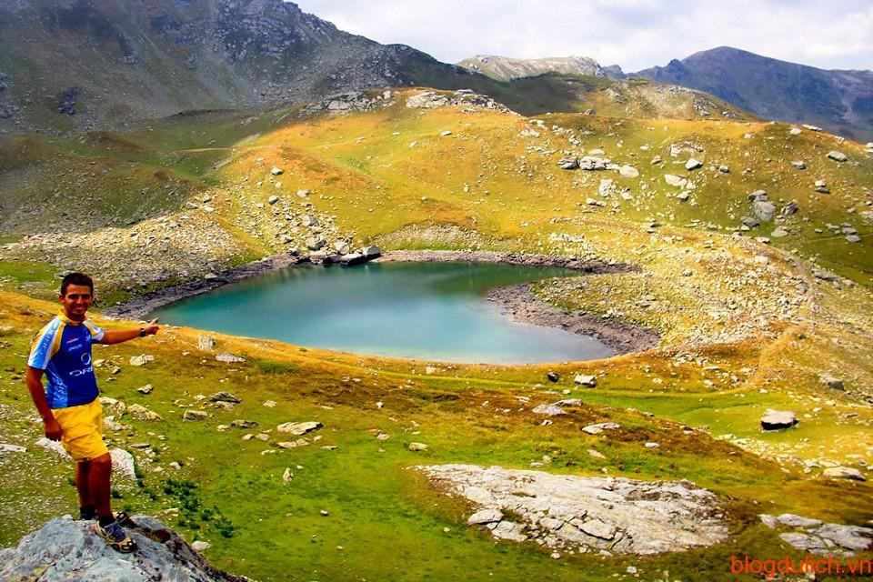 Đỉnh núi Juniku, Kosovo là nơi được không ít chàng trai chọn là nơi tỏ tình với bạn gái.