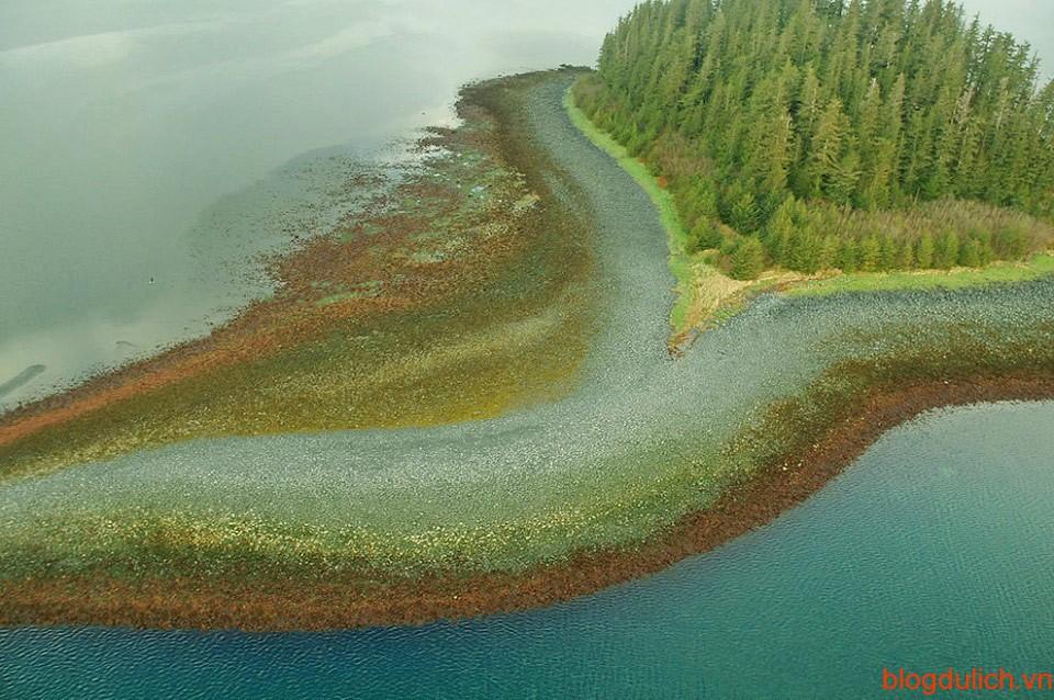 Một trong những đảo tình yêu lãng mạn nhất trên thế giới xuất hiện tại eo biển Alaska