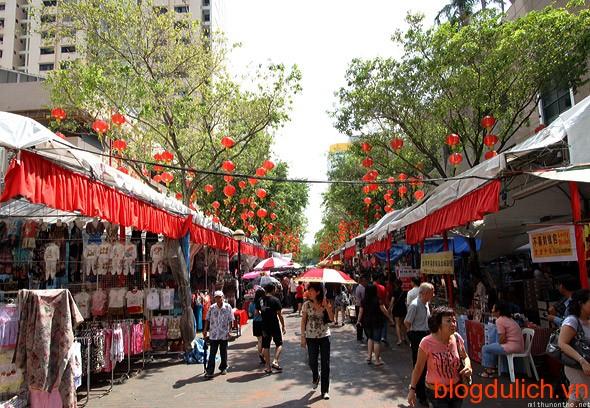 singapore-bugis-street-shopping-centre