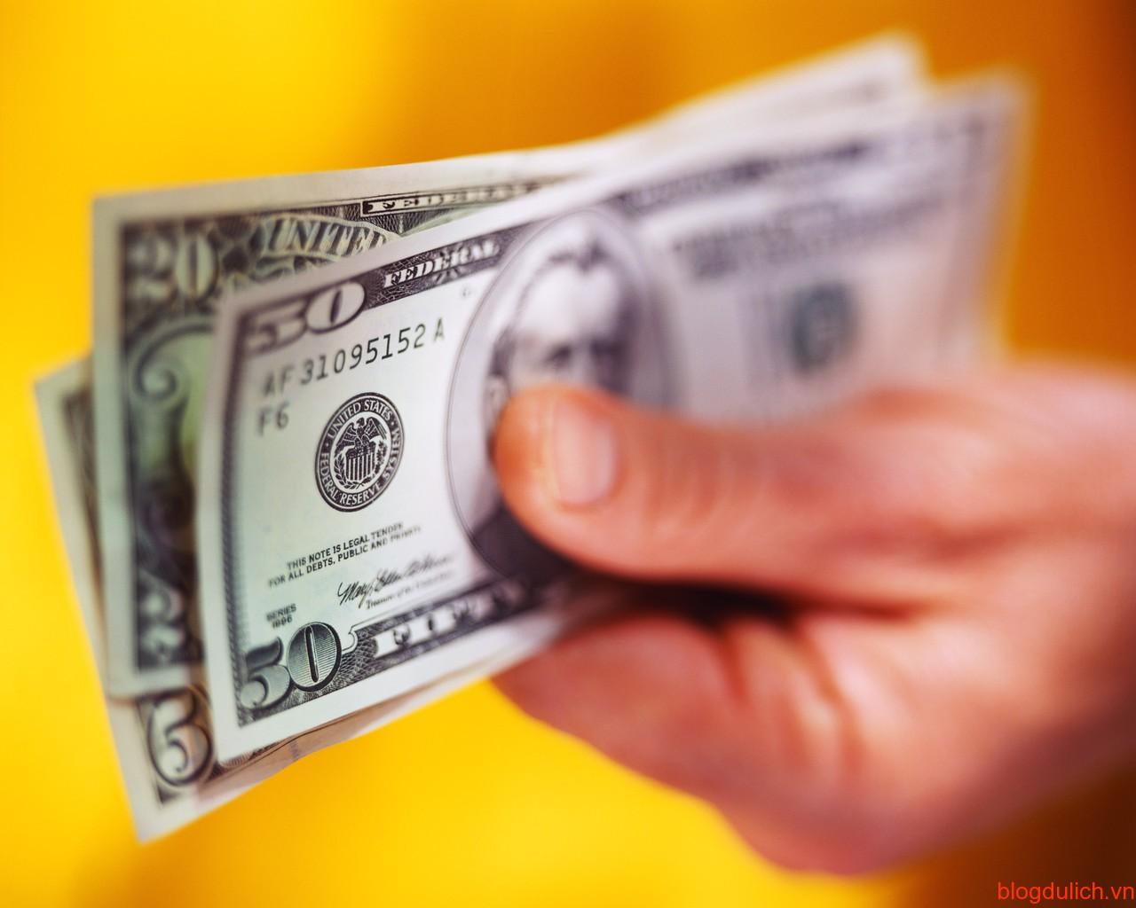 tiền tip