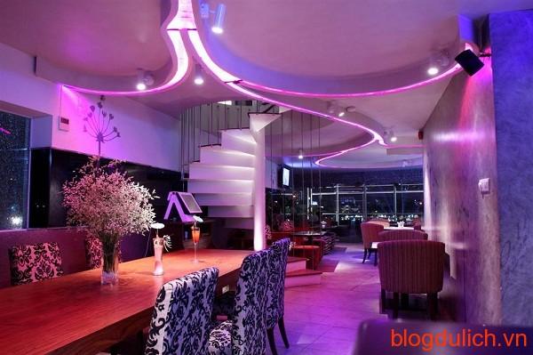 Avalon Cafe Lounge