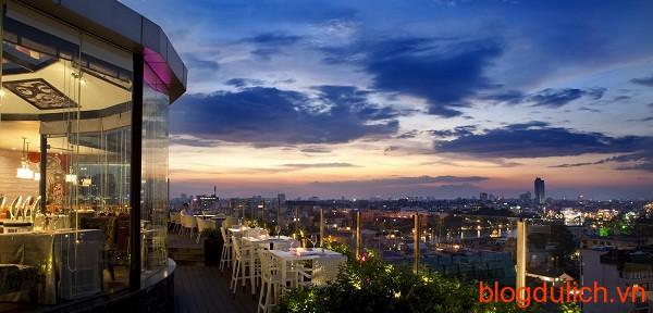 Cielo 13 Sky Bar, Restaurant