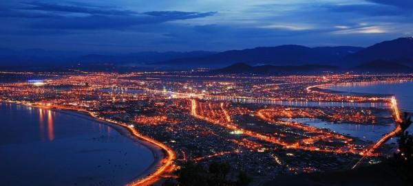 Toàn cảnh thành phố Đà Nẵng lung linh trong ánh đèn điện