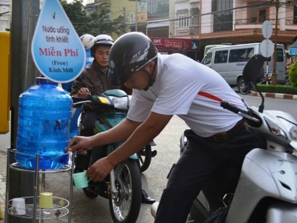 Nước uống miễn phí Đà Nẵng