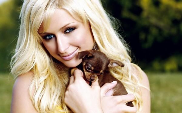 cô cháu gái Paris Hilton