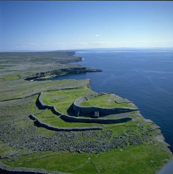 đi du lịch một mình quần đảo Aran Ireland