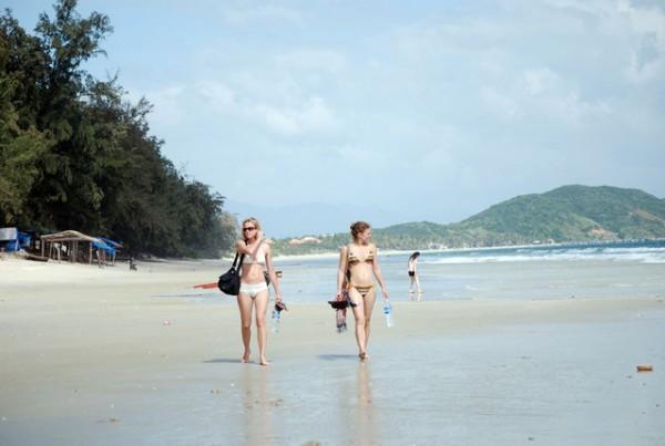 Bãi biển Dốc Lết Nha Trang độc đáo từ tên gọi