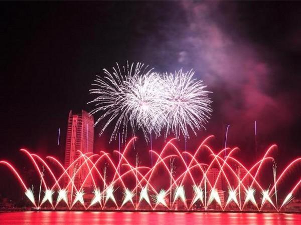 pháo hoa nghệ thuât quốc tế Đà Nẵng 2015