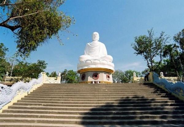 5 điêm du lịch tâm linh sau tết nổi tiếng ở Việt Nam
