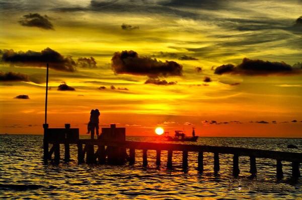 Kết quả hình ảnh cho ngắm hoàng hôn trên đảo Dinh Cậu