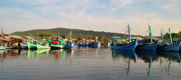 Ghé Thăm làng chài cổ Hàm Ninh