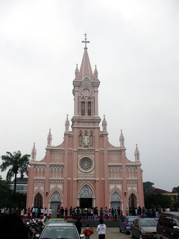 Nhà_thờ_Con_Gà_Đà_Nẵng (1)