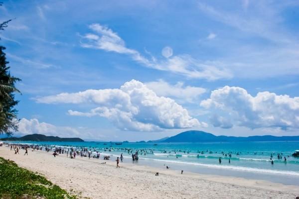Vẻ đẹp nguyên sơ, mát lành của bãi biển An Bàng