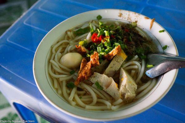 Món ăn bình dân - bánh canh cá Phan Thiết