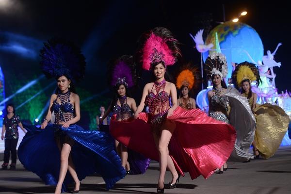 Sôi động Carnaval biển Hạ Long