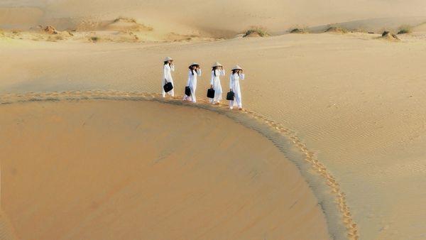 Đồi cát Mũi Né hoàn hảo như một kiệt tác nghệ thuật