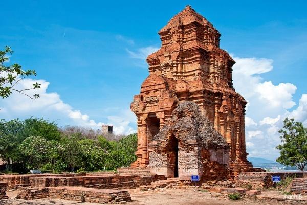 Tháp Po Sa Inư
