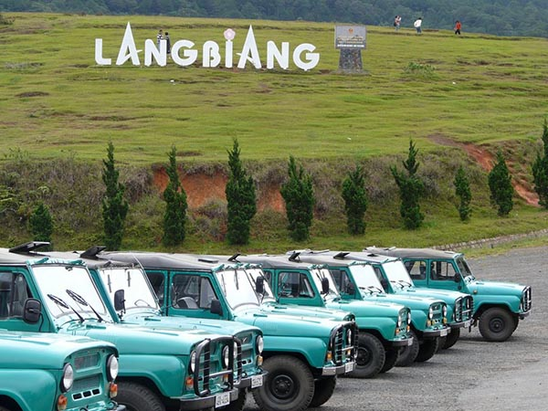 xe jeep langbiang
