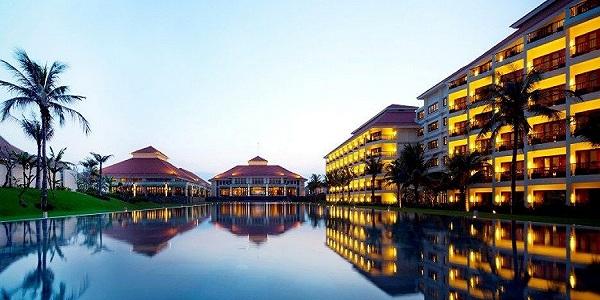 97057_hotelimage_Pool1