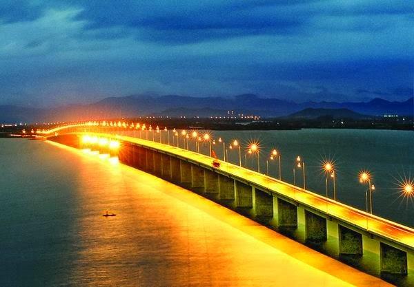 Cầu Thị Nại đẹp lung linh khi lên đèn
