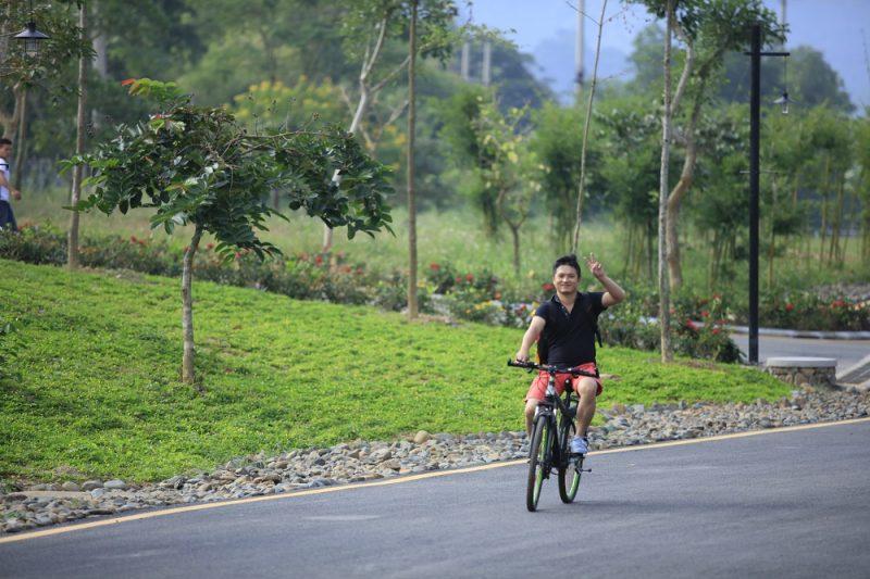 Đạp xe ở Serena Kim Bôi Resort
